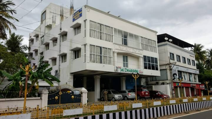 HOTEL JAI DHARASHINI PALACE - FAMILY HOTEL