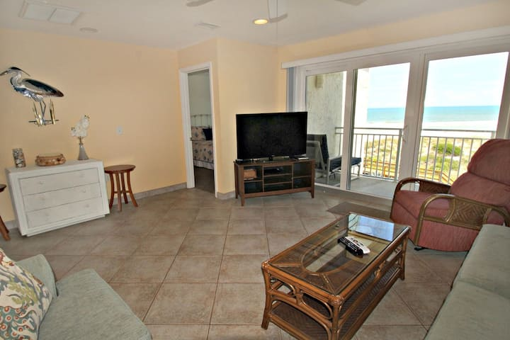 Tradewinds 53-Amazing Ocean Views from this 3rd Floor unit! With a Pool, Beach Boardwalk, Boat Ramp & Fishing Pier!
