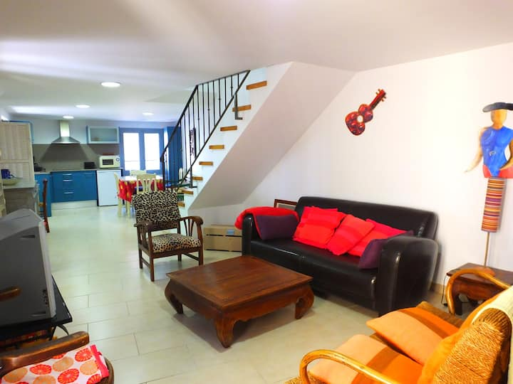 Ceret Centre - Stylish Apt. in Old Town Ceret