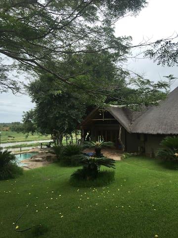 Kruger Bush Villa - Malelane - Nature lodge