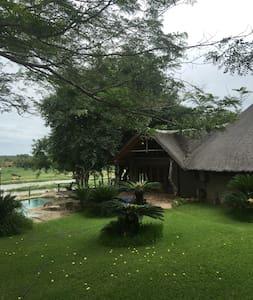Kruger Bush Villa - Malelane - Pondok alam
