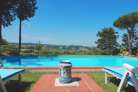 Villa in collina con piscina - Montemarzino - Villa