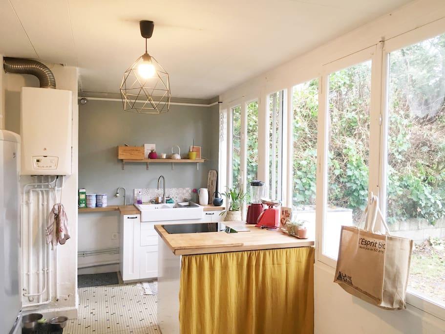 Appartement calme de 85 m2 rez de jardin apartments for for Appartement bordeaux rez de jardin