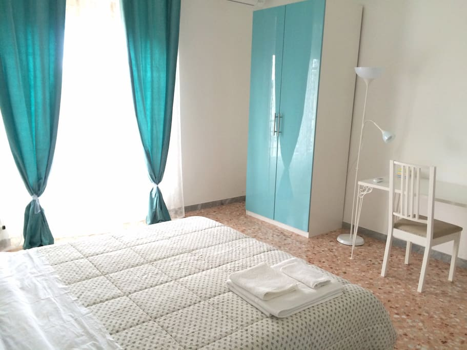 Camera da letto matrimoniale con aria condizionata