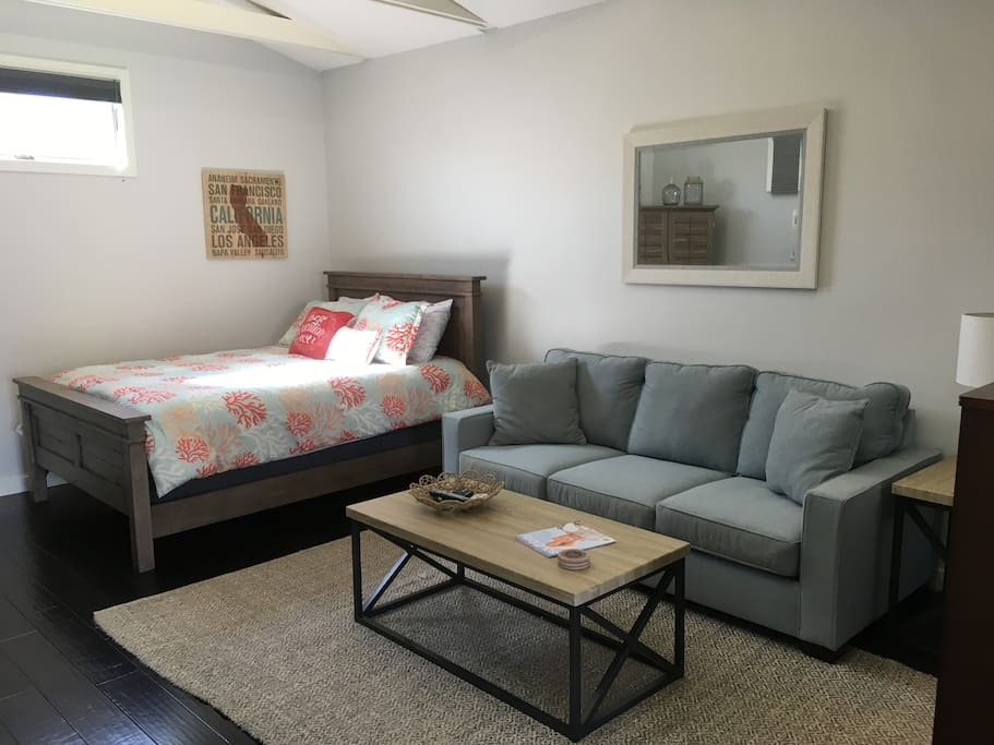 Guesthouse sofa and Queen size bed
