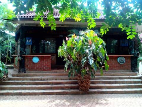 Ango Tree Lodge