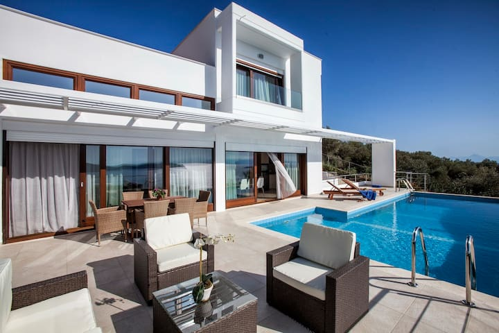 Magdani Private Villas - Skiathos - Vila