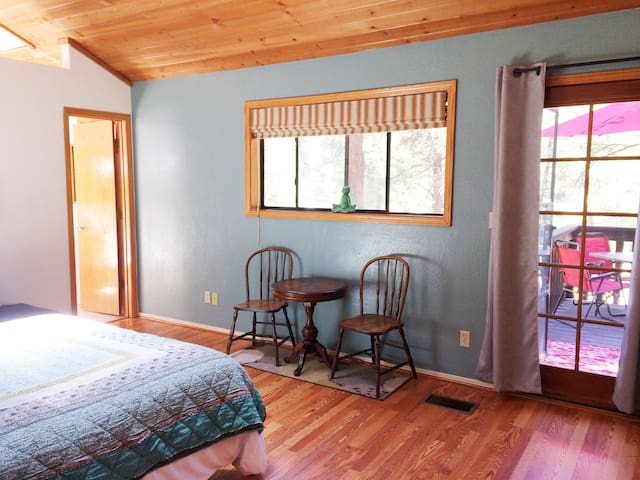 Sunny Skylit Studio in the Pines (no hidden fees).