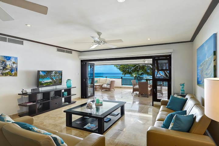 Coral Cove 7 - Living area leads out to the large patio