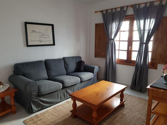 """Apartamento Cocederos """"B"""", Punta Mujeres, Haría."""