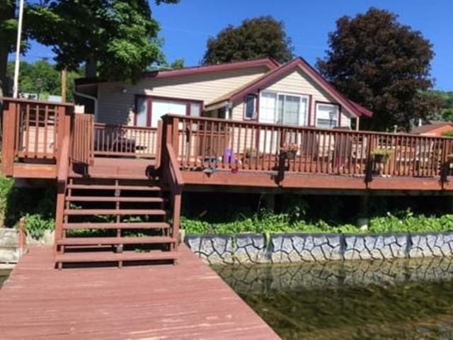 Come enjoy the relaxing View on Little York Lake! - Little York - Huis