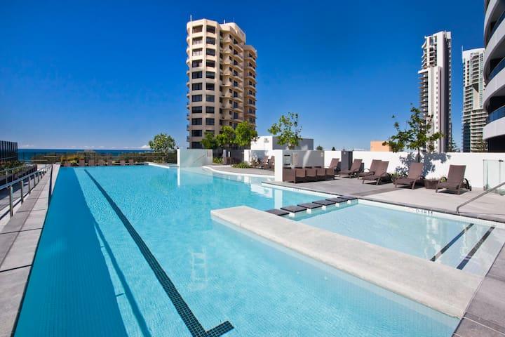 Oracle - 2 Bedroom with Stunning City& Ocean Views