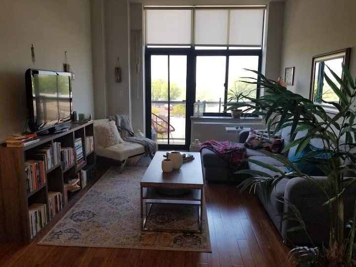 15 min to city,new,balcony,laundry,garage,astoria