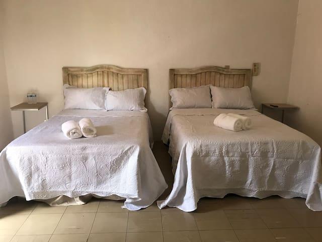 Tranquila G y confortable habitación con balcón 6