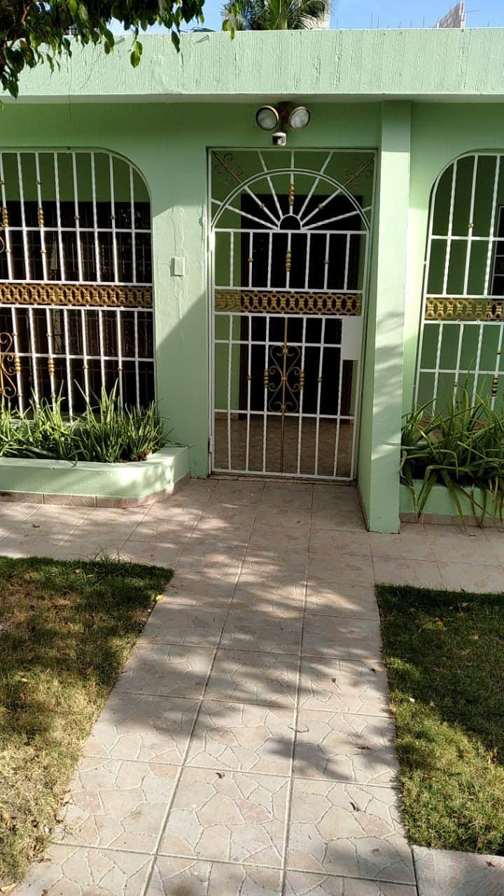 Private 3 bedroom Home with pool and amenities