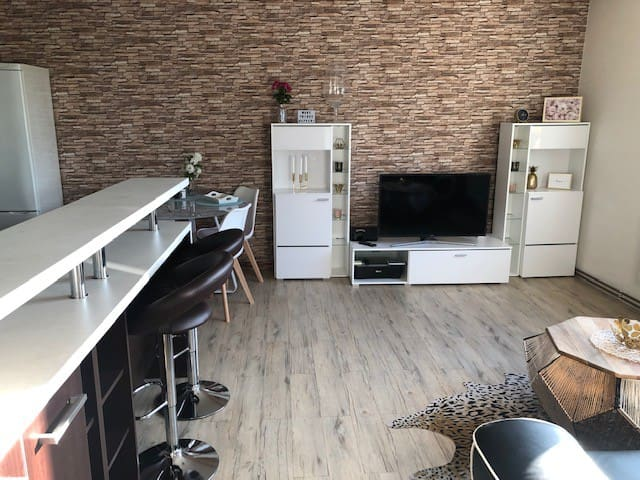 Cosy modern apartment - 10 min from the center