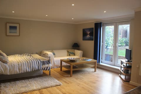 Whole Annexe in Southbourne, Bournemouth