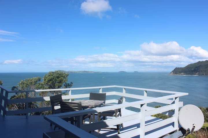 Uninterrupted Pacific Ocean, Island & Beach Views. - Tairua - House