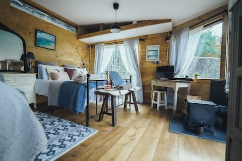 💕Romantic waterfall Cabin,💕Tranquil Brecon Beacons