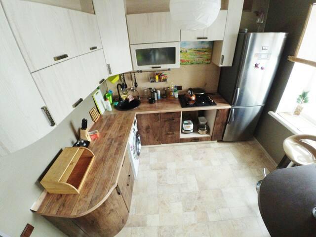 Комфортные 3-ком апартаменты - Уфа - Apartament