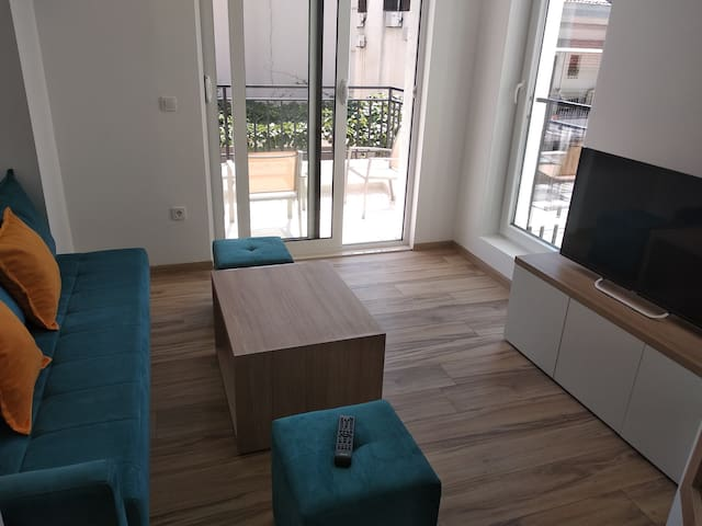 202 Beautiful apartment 500m from sea,  parking