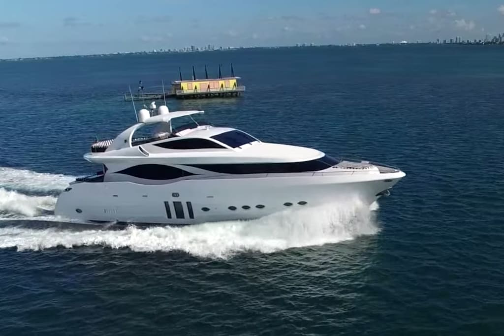 90' Eagle - Yacht Rental @ Miami Boat Experts - Charters | Management | Crew | Supplies | Miami | Florida Keys | The Bahamas