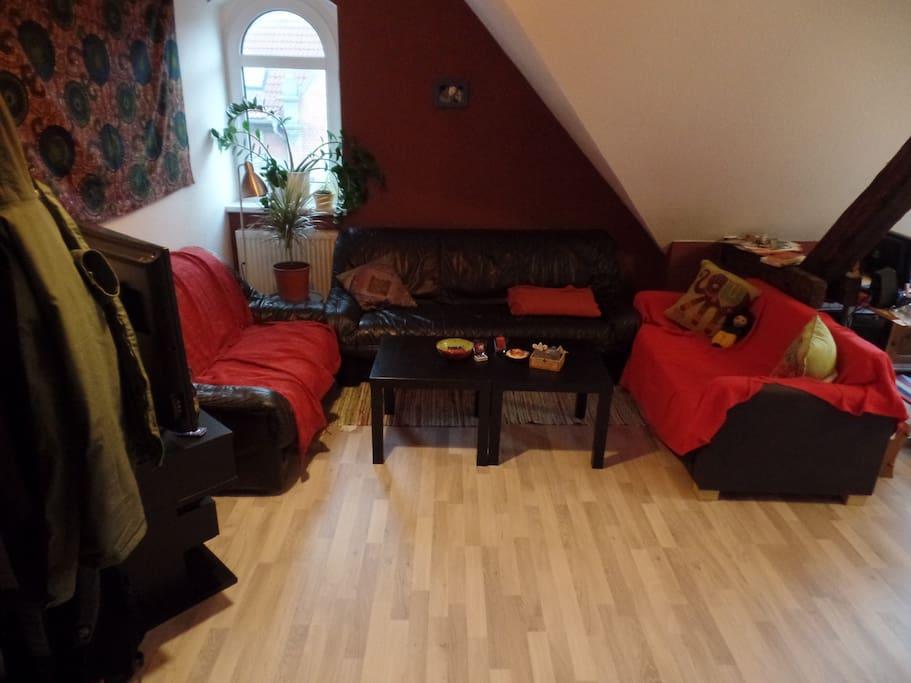 sch ne wohnung in guter lage wohnungen zur miete in erfurt th ringen deutschland. Black Bedroom Furniture Sets. Home Design Ideas