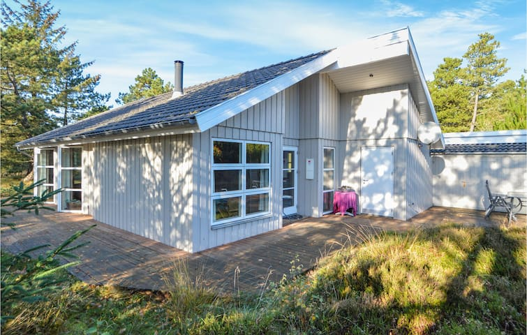Holiday cottage with 3 bedrooms on 90m² in Rømø