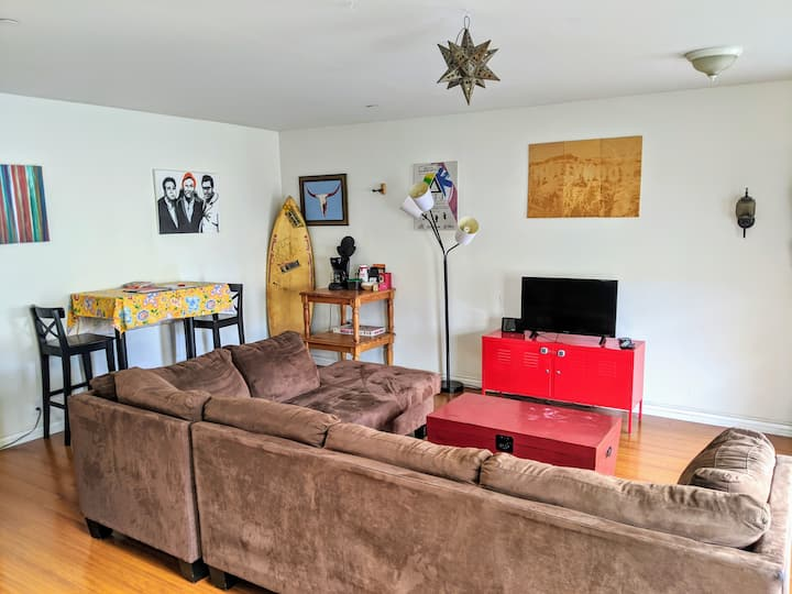 Private 1-BDR Guest House in NoHo!