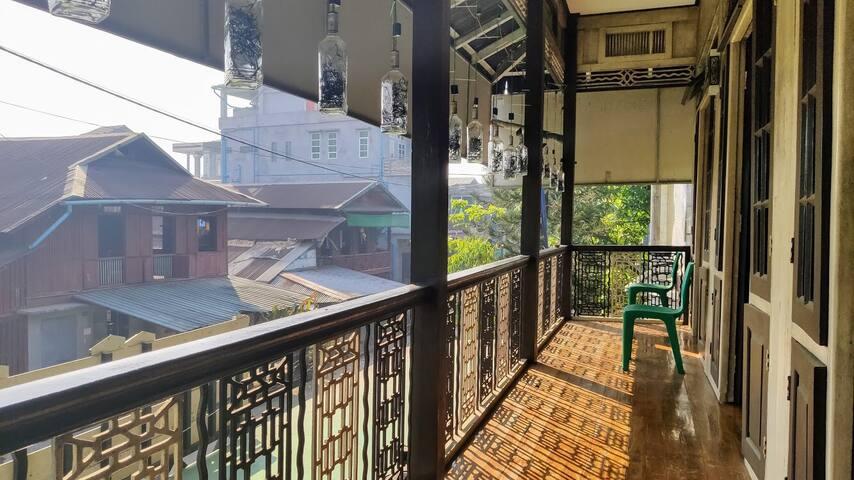 Golden House Hostel Double Room