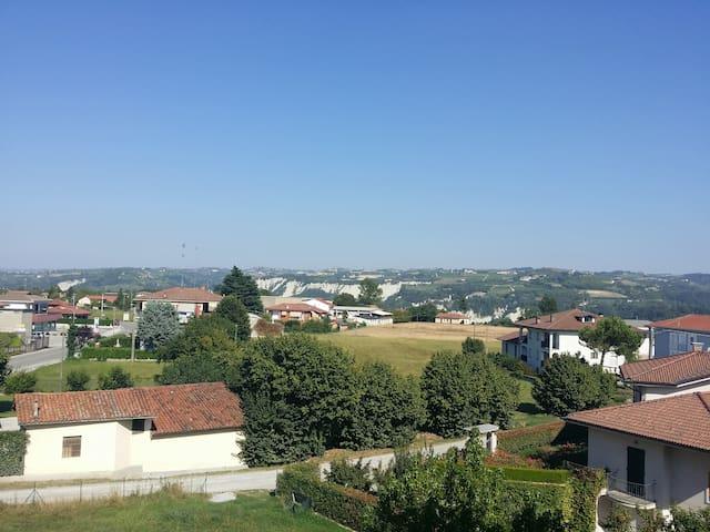 Intero piano in villa sulle Langhe - Carrù - Pis