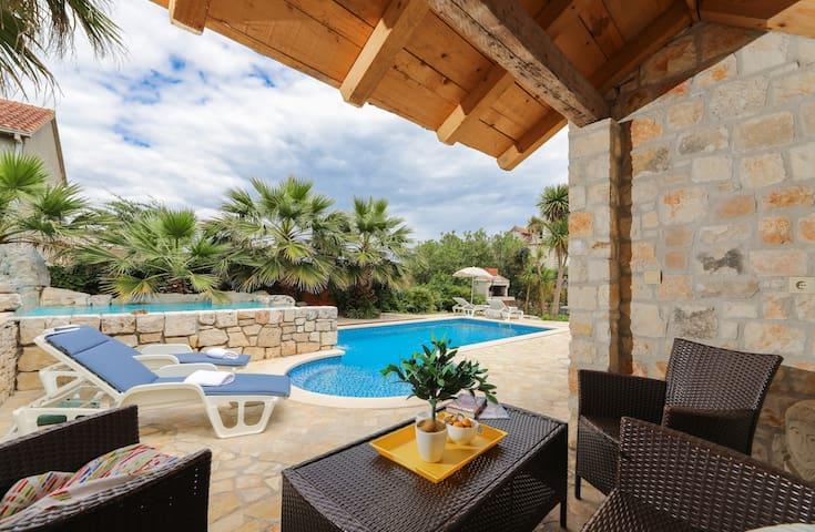 Family&Friends House -pools-Island of Brač-Sutivan