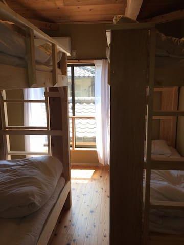 Kamakura Zen-ji Bed in 4-Bed Female Dormitory Room
