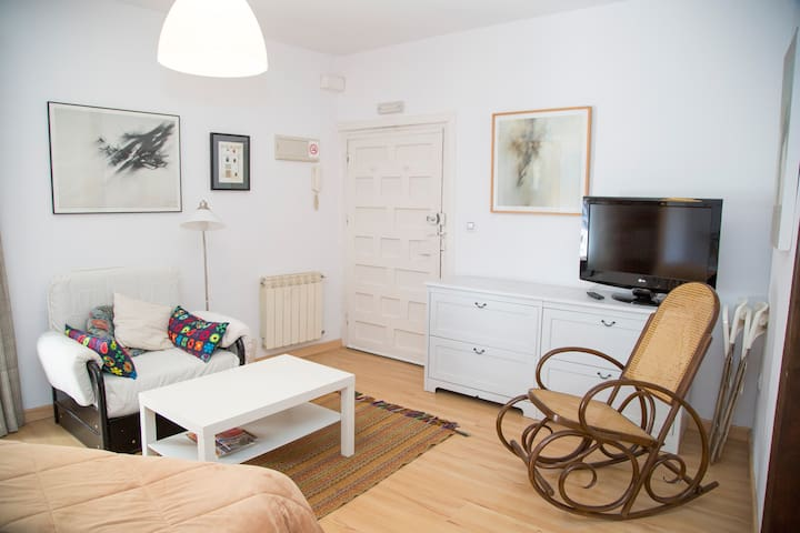 Apartamento ZÓBEL Casco Antiguo