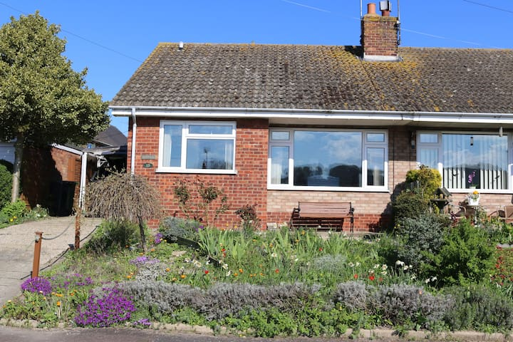 Poppies - Discover the North Norfolk Coastline - Weybourne - Bungalou