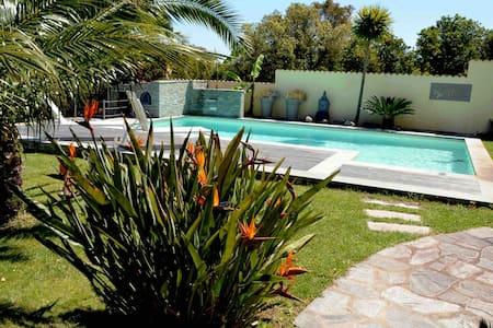rez jardin entier 2prs vue mer piscine plage à 5mn