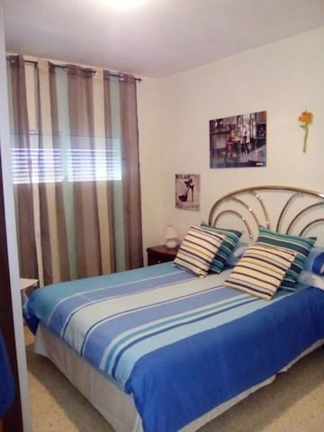 Spacious Bright Room | 15' Salou & Port Aventura - Reus