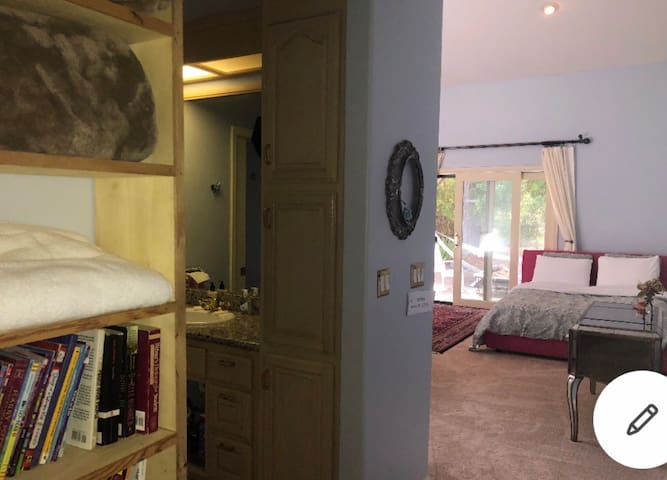 Private room in Pebble Beach (walk to the beach)