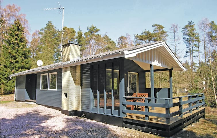 Holiday cottage with 2 bedrooms on 61m² in Nexø