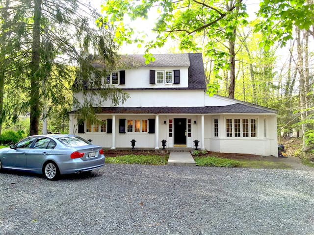 Country Cottage Tuxedo Park : AVAIL. MONTHLY - Tuxedo Park