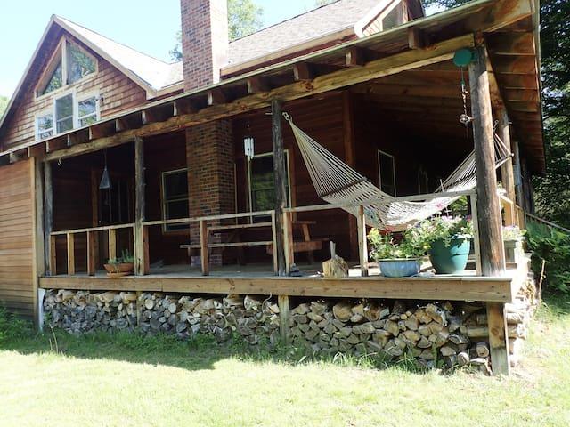 Friends Lake Retreat: Cool cabin in the ADK