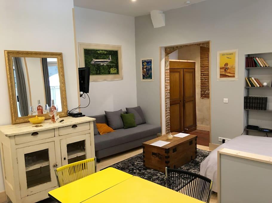 appart dans hotel particulier centre toulouse appartements louer toulouse languedoc. Black Bedroom Furniture Sets. Home Design Ideas