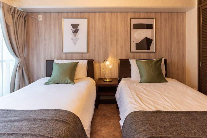 Bedroom2(2 single beds).
