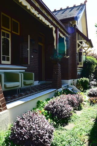 Glasby, a beautiful quiet federation house - Dulwich Hill - Maison