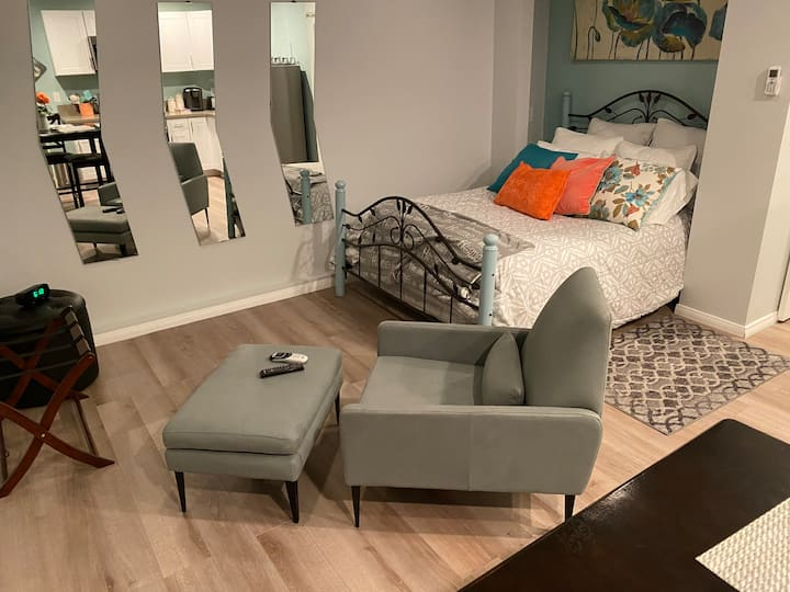 Comfy and Cozy Guest Suite