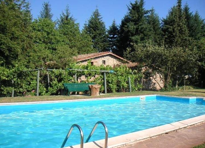 Villa de 3 chambres à Barga, avec magnifique vue sur la montagne, piscine privée, jardin aménagé - à 57 km de la plage