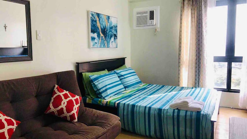 ♥ Homey Studio, Quezon City; near SM/Trinoma/MRT ♥