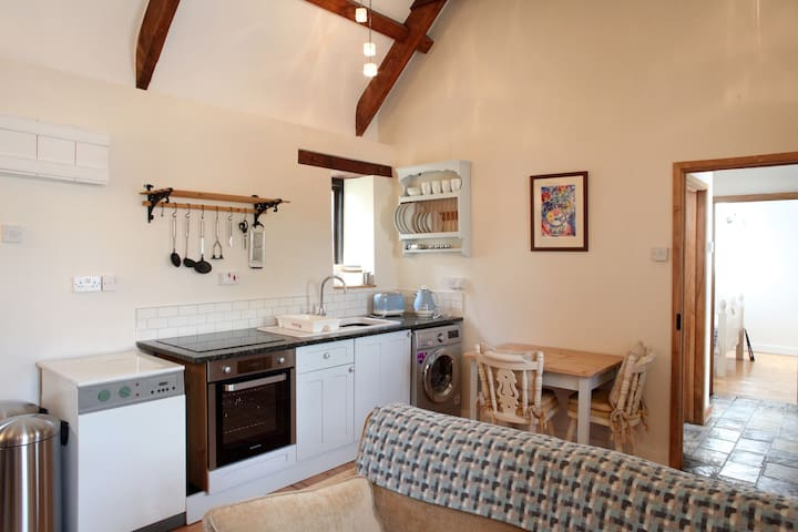 Cosy barn conversion between Narberth & Tenby