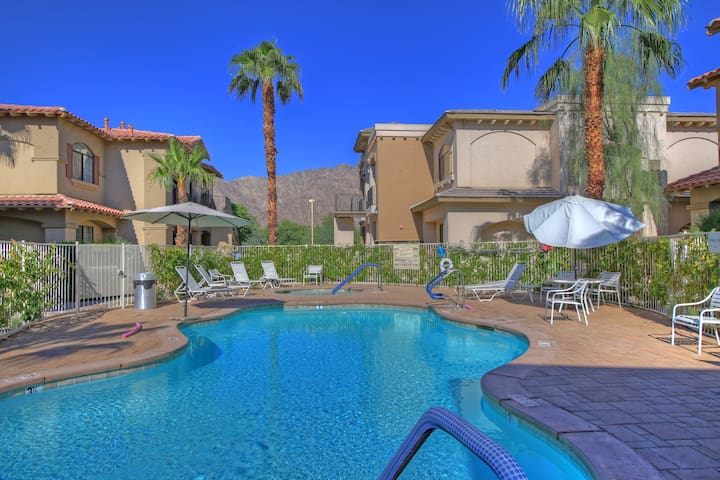 Newly Updated! Luxury Villa in Old Town La Quinta!