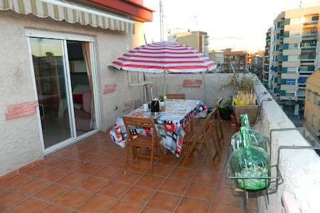 no neighbour, 600m from the beach, big terrasse - València